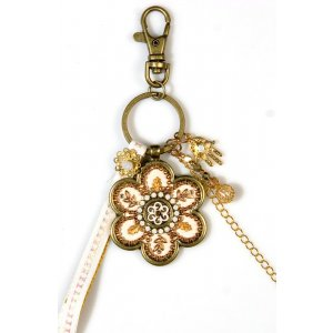 Flower Keychain in Beige and Gold - Ester Shahaf