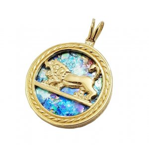 14K Gold Circular Pendant with Lion of Judah on Roman Glass